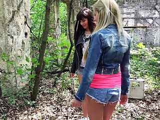Amateur hotties' picnic